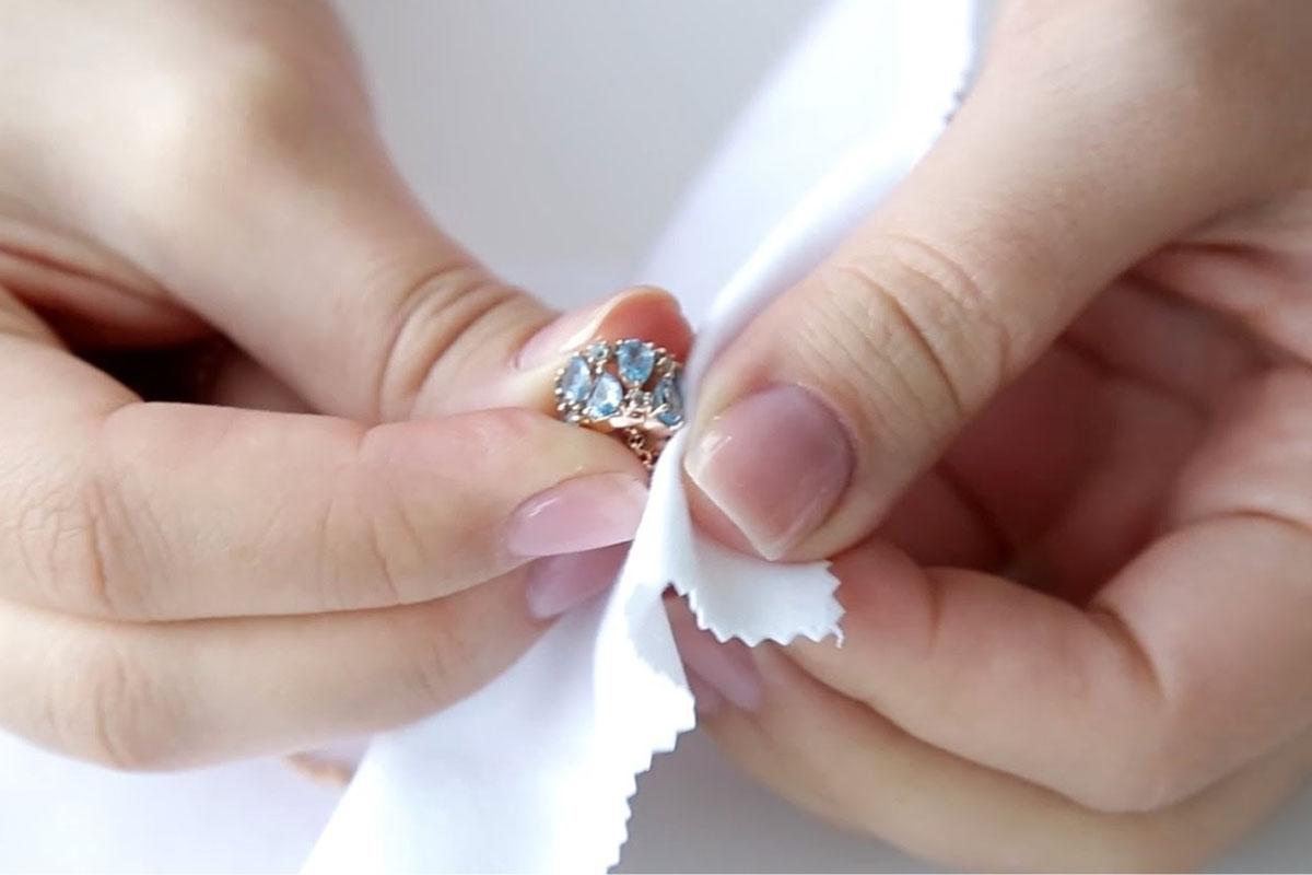 Come si puliscono i gioielli?
