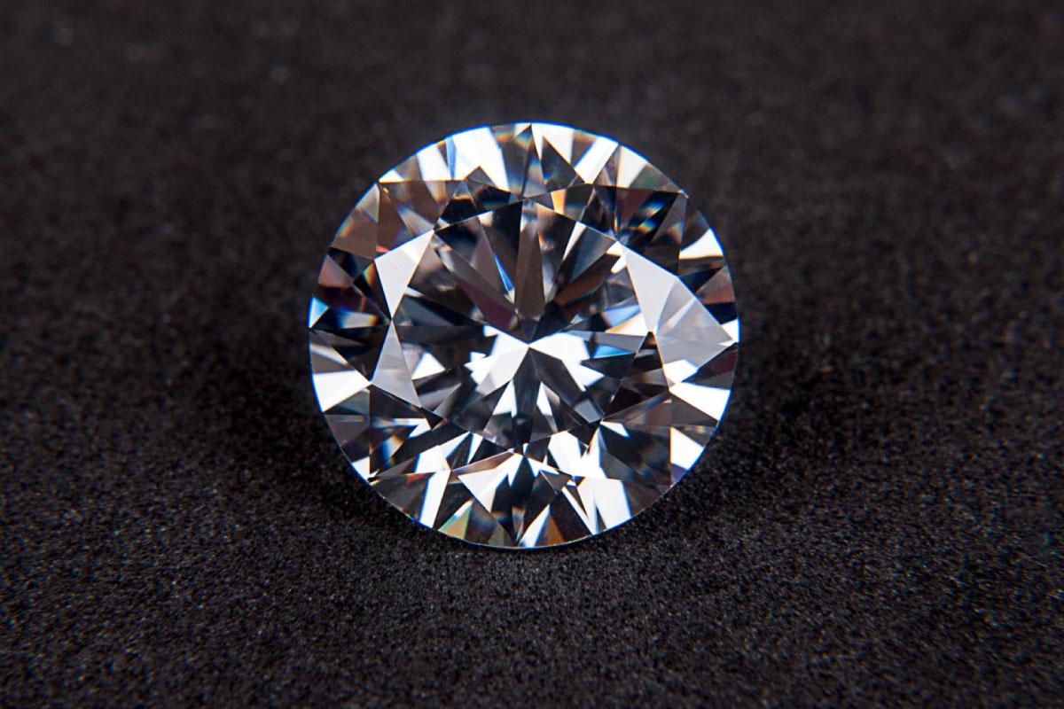 I motivi per acquistare un diamante D Color