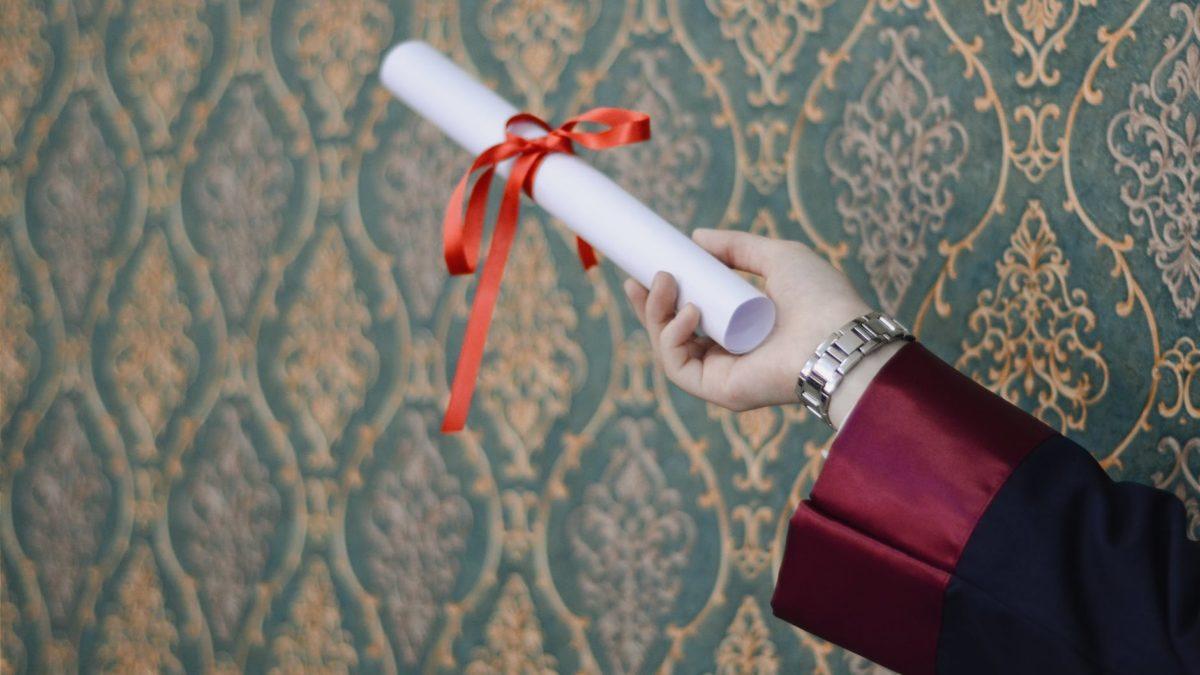 Breve guida ai regali di laurea (per lui)