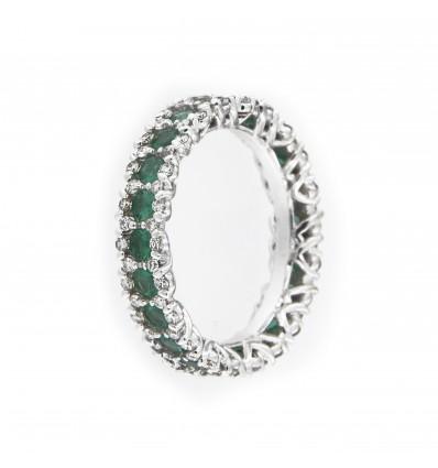 Un anello di smeraldi con Ferro Design